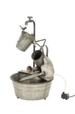 Kovová fontána - vedierka