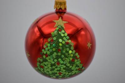 Vianočná guľka sklenená ručne zdobená 7 cm